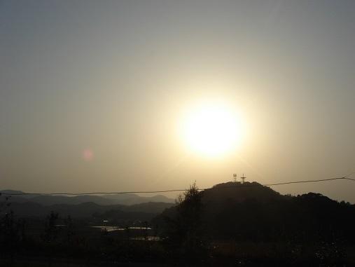 黄砂の夕.jpg