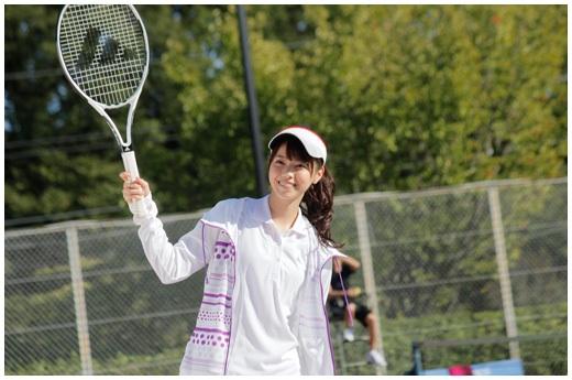 テニスウエアがとっても似合う西野七瀬さん