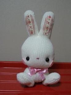 手袋1枚で作る可愛いウサギ。ラッキーバニーです♪