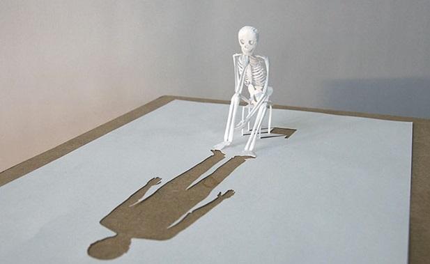 骸骨の切り絵アート