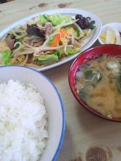 一江庵(いっこうあん)の肉野菜炒め定食600円♪