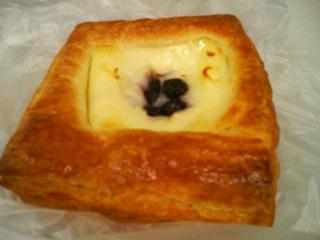 ブルーベリーチーズデニッシュ
