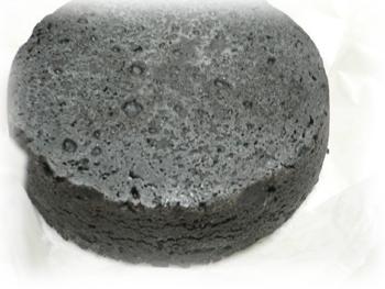 黒いチーズケーキ1