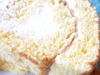 バニラの実ロールケーキ