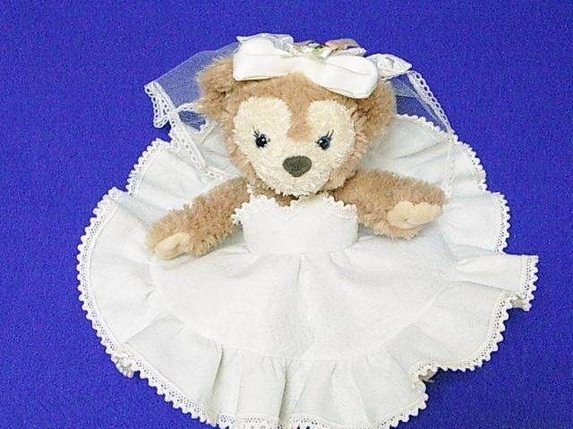 イギリス王子風というのは、今年結婚された、イギリスのウィリアム王子の結婚式での服の映像を何度も見て、作ってみました。