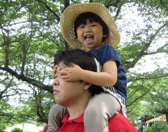 daisuke with his daughter