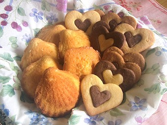 マドレーヌとハートクッキー