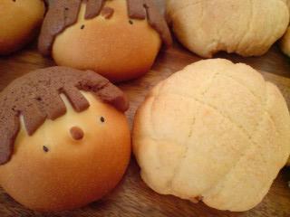 子供パンとメロンパン