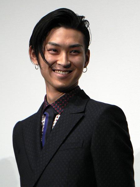 松田翔太 熱愛 2.jpg