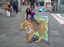 路上に描かれたストリート3Dペイ...