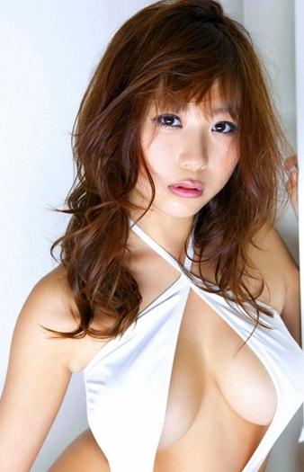 西田麻衣 画像