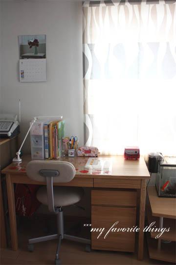 【入学準備】無垢の学習机&北欧のバランスチェア、届きました♪