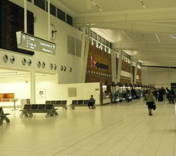 アデレード空港 | アデレード ラ...