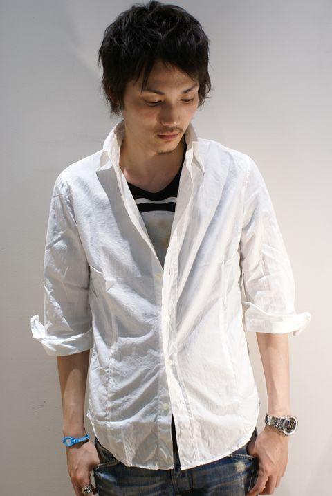 白シャツ着こなし