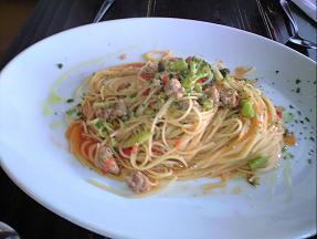 イタリアンソーセージとブロッコリーのトマトソースパスタ.JPG