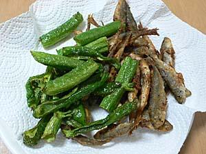 空芯菜の茎の素揚げ