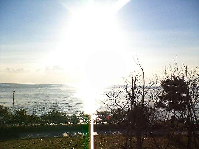 氷見海岸から日の出を仰ぐ