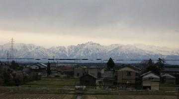 曇天の合い間に見ることができた立山連峰剣岳
