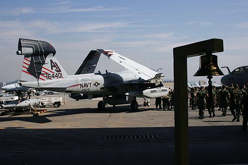 "VAQ-141""Shadowhawks""-Change of Command-5"