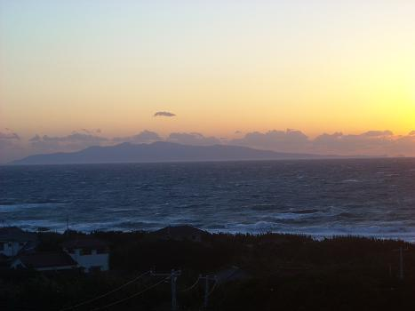 洲崎灯台から伊豆大島5.JPG