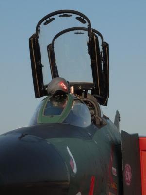 RF-4_キャノピー前.jpg