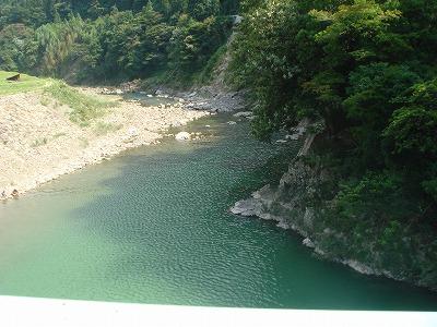 綺麗な川.jpg