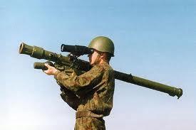 米露 携帯式地対空ミサイル 比較...