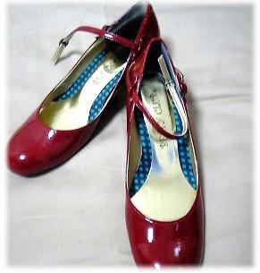 BETTY CLUBの赤い靴