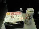オツマミ弁当ビール.jpg