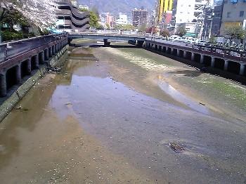 呉の川.jpg