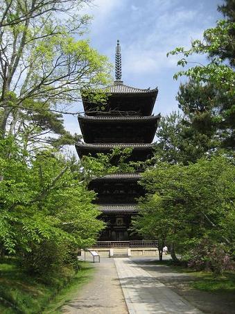 12仁和寺五重塔