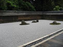 15龍安寺の石群