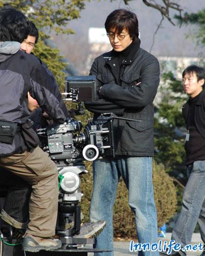 ドラマ制作者ペ・ヨンジュン、「制作者として撮影現場を守る」
