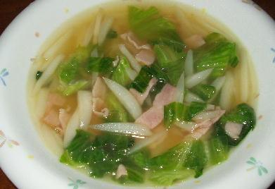 蕪の皮とレタスのスープ.