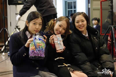 zainichi korean Koreans in japan ( zainichi-kankoku-jin or zainihonchosenjin or ch sen-jin) comprise ethnic koreans who have permanent residency status in japan, or who have become japanese citizens, and whose immigration to japan originated before 1945, or who.