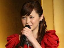 松浦亜弥さんブログ 姫路菓子博前夜祭画像02.jpg