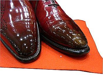 靴磨き - Shoeshiner