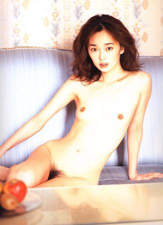 葉月里緒菜