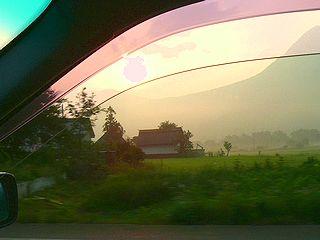 朝日の中のドライブ.jpg