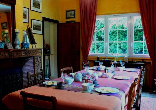 1218=villa in DiningR..jpg
