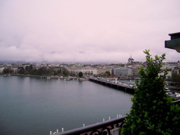 +Hotel de la Paix Rain01.jpg