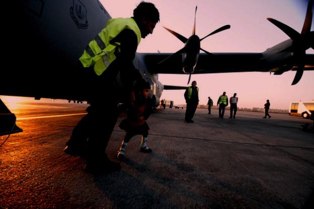 0823 airbase03.jpg