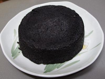 まっ黒チーズケーキ