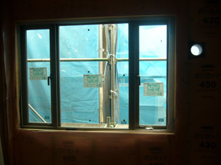 子供部屋2窓_2(07.09.15).jpg