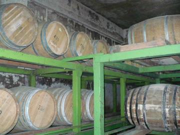 ホワイトオークのワイン樽