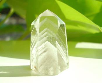 ファントム水晶(山入り水晶)