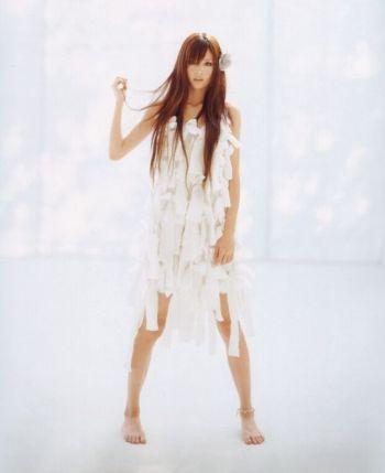 suzuki-emi003-1.jpg