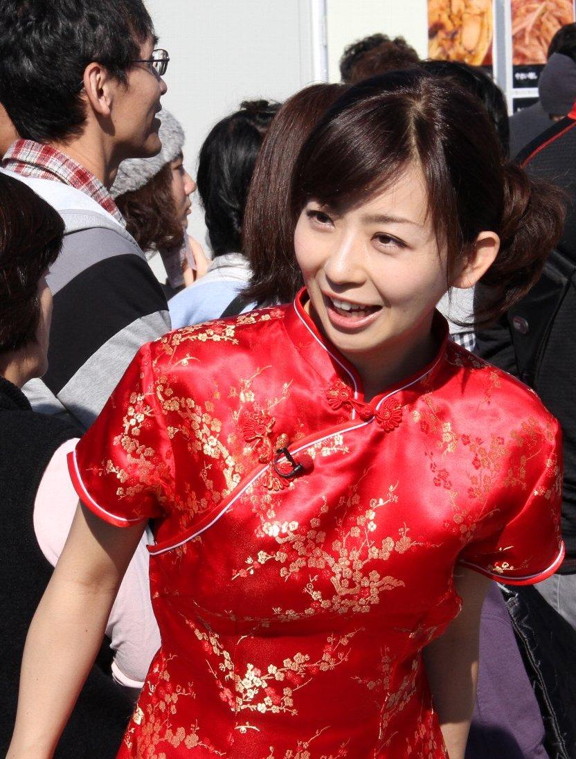 チャイナドレスが素敵な松尾由美子