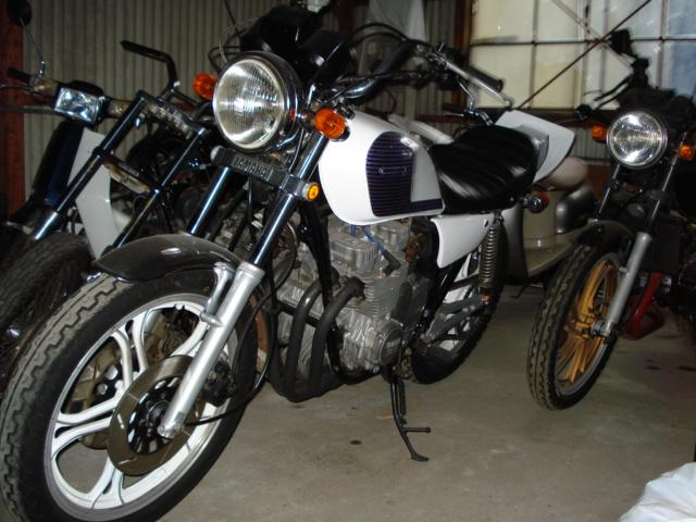 XJ400D