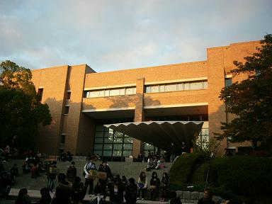 総合図書館.JPG